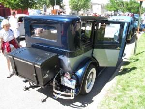 Al Capone Buick 1927-trunc