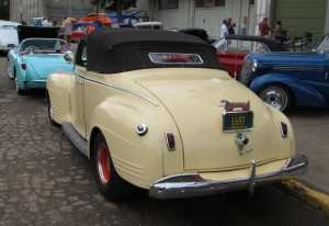Plymouth Convertible 1941 back