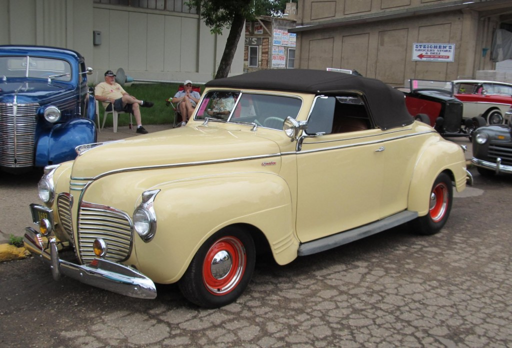 Plymouth Convertible 1941 front