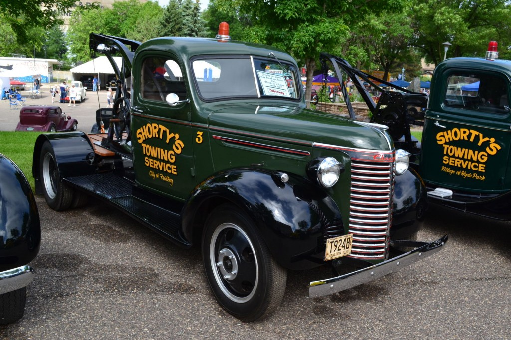 Chevrolet 1940 tow truck front